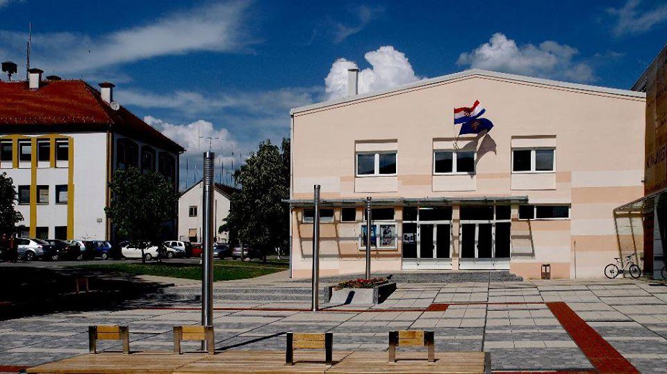 Zgrada POU Novska