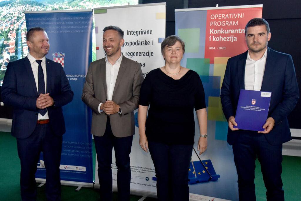 Potpisivanje ugovora o dodjeli bespovratnih sredstava za POU Novska.