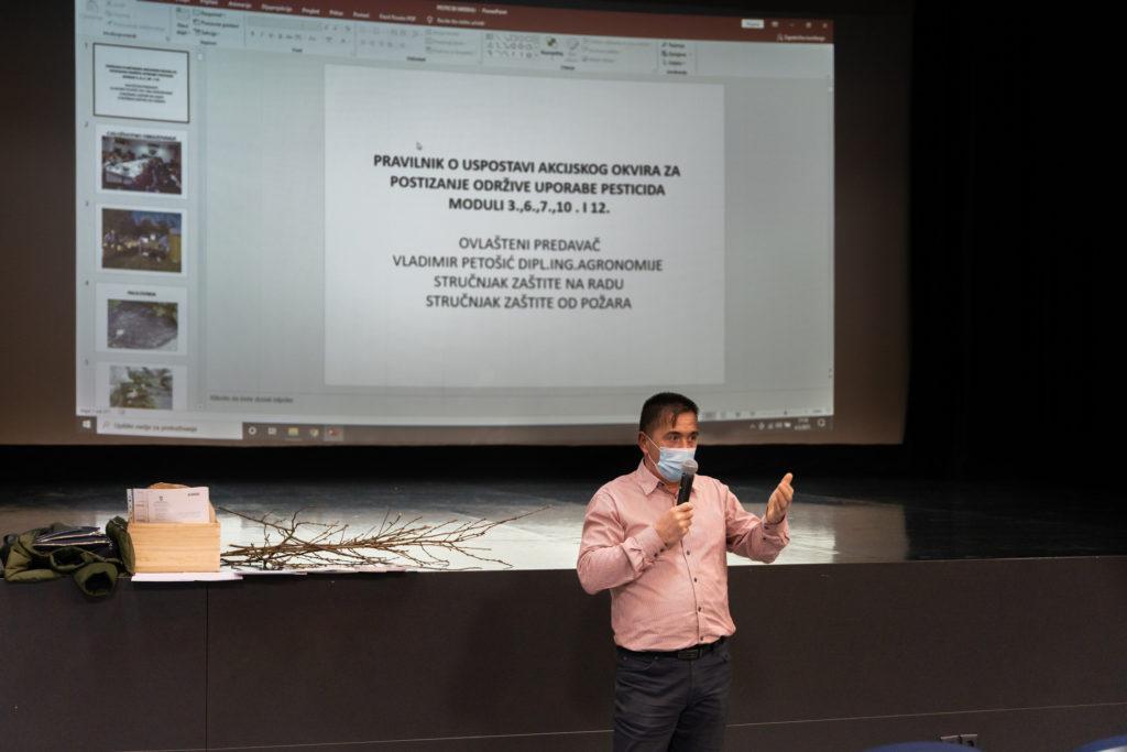 Predavanje o održivoj uporabi pesticida